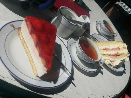 Tee, Kaffee & Kuchen